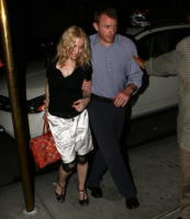 Guy Ritchie, Madonna - New York - 02-07-2008 - Madonna paghera' 56 milioni all'ex marito Guy Ritchie