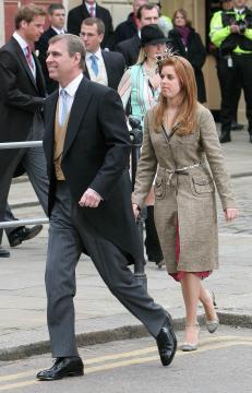 Prince Andrew, Principessa Eugenia di York - Windsor - 09-04-2005 - Carlo e Camilla finalmente sposi!