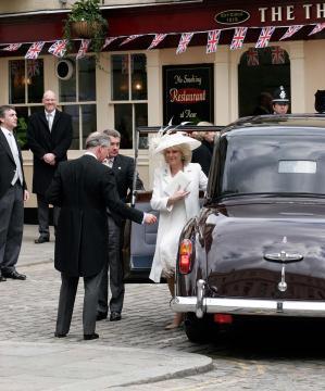 Charles, Camilla - Windsor - 09-04-2005 - Carlo e Camilla finalmente sposi!