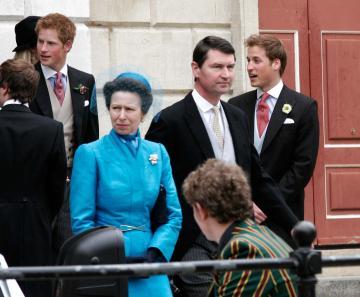 Principe William, Princess Anne, Principe Harry - Windsor - 09-04-2005 - Carlo e Camilla finalmente sposi!