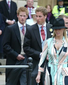 Principe William, Zara, Principe Harry - Windsor - 09-04-2005 - Carlo e Camilla finalmente sposi!