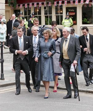 Anabelle Elliot, Bruce Shand - Windsor - 09-04-2005 - Carlo e Camilla finalmente sposi!