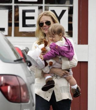 Gwyneth Paltrow - Brentwood - Gwyneth Paltrow commossa dal marito Chris Martin