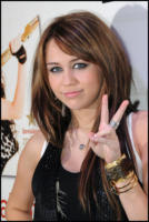 Miley Cyrus - Parigi - 30-10-2008 - Hannah Montana vittima di un altro hacker