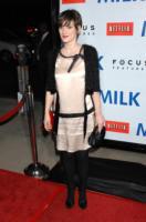 Winona Ryder - Beverly Hills - 13-11-2008 - Winona Ryder si sente male in volo, ricoverata a Londra