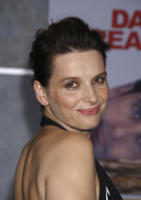 Juliette Binoche - Hollywood - 25-10-2007 - Juliette Binoche espone a Parigi