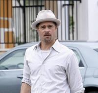 Brad Pitt - New Orleans - 08-10-2008 - Shiloh Jolie-Pitt si fa chiamare John
