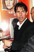 famiglia Cruise, Katie Holmes, Tom Cruise - New York - 26-11-2008 - Tom Cruise nel panico per aver perso il Blackberry