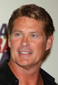David Hasselhoff - Century City - 22-04-2005 - TV – USA: ordine a Hassellhoff (Baywatch), lontano da moglie