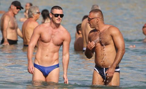 attori omosessuali italiani Brindisi