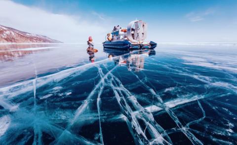Lo spettacolo del baikal il lago ghiacciato pi bello al mondo foto - Il bagno piu bello del mondo ...