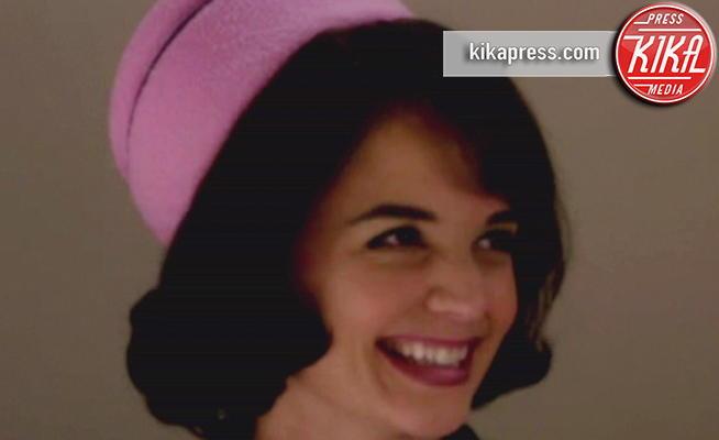 Katie Holmes - 10-04-2011 - Katie Holmes è Jackie Kennedy in The Kennedys