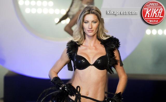 Gisele Bundchen - San Paolo - 13-05-2011 - Gisele Bundchen è la modella più pagata per Forbes... ancora!