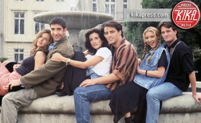 Lisa Kudrow, Courteney Cox, Jennifer Aniston - 02-04-2013 - Intramontabile Friends: gli attori ieri e oggi