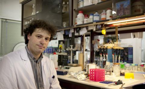 Federico Forneris - Pavia - 29-04-2013 - Federico,ricercatore in Olanda: