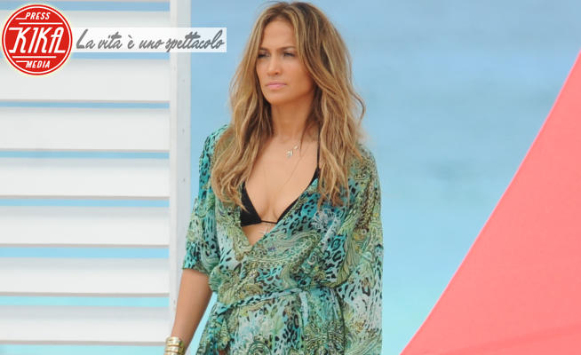 Jennifer Lopez - Fort Lauderdale - 05-05-2013 - Estate 2021: i copricostume più amati dalle star