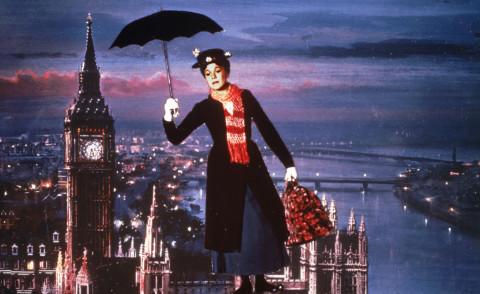 Mary Poppins, Julie Andrews - Hollywood - 27-09-1964 - Vento dall'est, la nebbia è là: Mary Poppins sta per tornar!