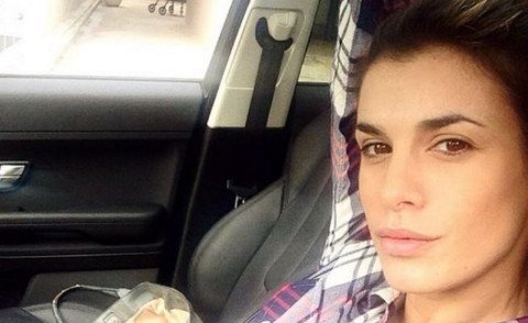 Elisabetta Canalis - Los Angeles - 19-03-2014 - Selfie al volante: le vip si immortalano alla guida