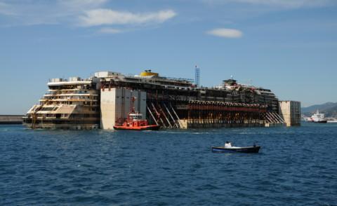Costa Concordia - Genova - 27-07-2014 - Costa Concordia, il viaggio è concluso