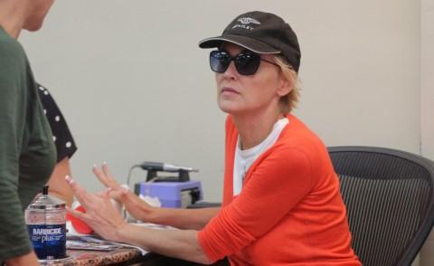 Sharon Stone - Los Angeles - 27-08-2014 - Star come noi, tutte pazze per manicure e pedicure