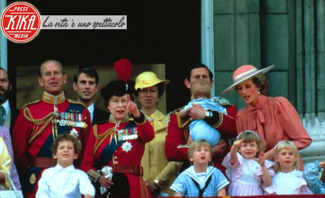 Principe Carlo d'Inghilterra, Principessa Anna d'Inghilterra, Regina Elisabetta II, Principe William, Principe Filippo Duca di Edimburgo, Lady Diana, Principe Harry - 10-06-1984 - Baby Sussex: quanti bis-nipoti ha la Regina?