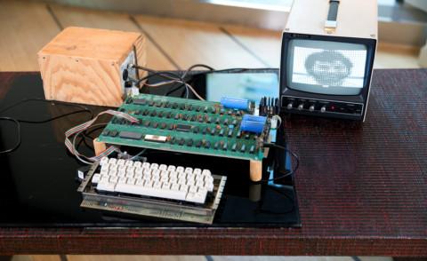 Apple-1 Computer - 07-10-2012 - Apple-1, il computer che vale quasi un milione di dollari