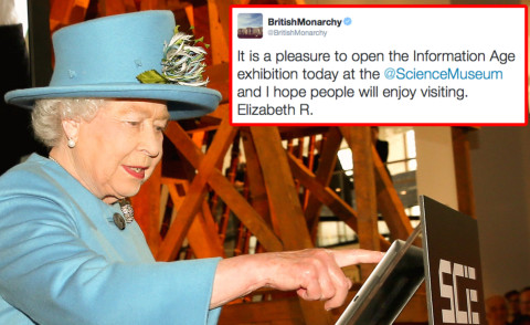 Regina Elisabetta II - Londra - 24-10-2014 - Il primo tweet della Regina Elisabetta