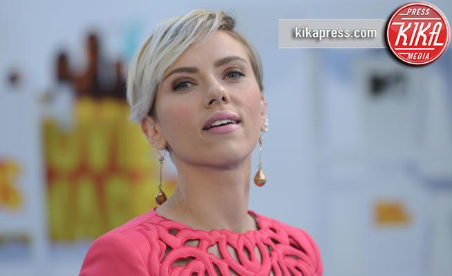 Scarlett Johansson - Los Angeles - 13-04-2015 - Cosa hanno in comune Scarlett Johansson e Cristina Parodi?