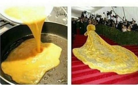 Rihanna Omelette - 05-05-2015 - Met Gala 2015: sontuosa Rihanna, di frittata vestita...
