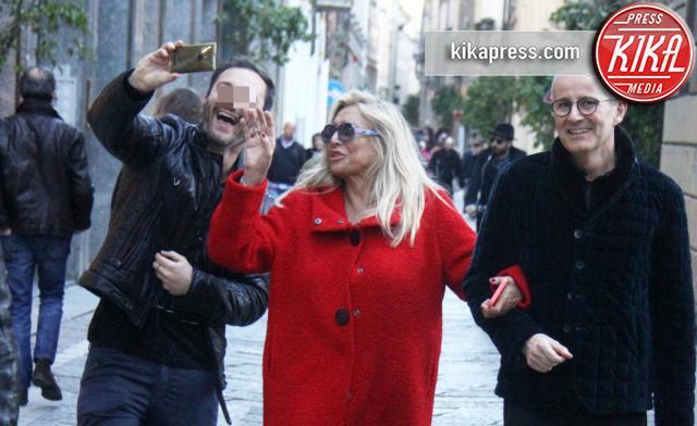 Mara Venier - Milano - 19-03-2016 - Mara Venier, selfie a tradimento in attesa dell'Isola!