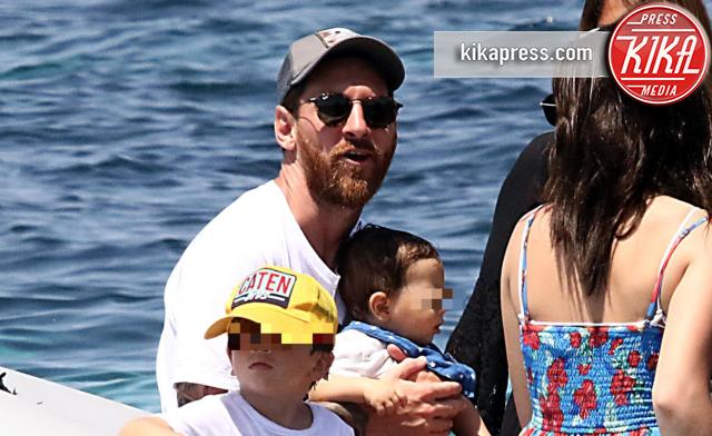 Mateo Messi, Thiago Messi, Lionel Messi - Formentera - 12-07-2016 - Leo Messi, il numero uno al mondo anche come padre