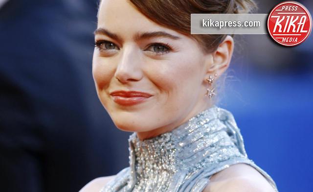 Emma Stone - Venezia - 31-08-2016 - Venezia 73, Emma Stone si prende il red carpet di La La Land