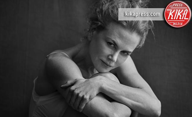 Nicole Kidman - 29-11-2016 - Calendario Pirelli: la bellezza è senza trucco