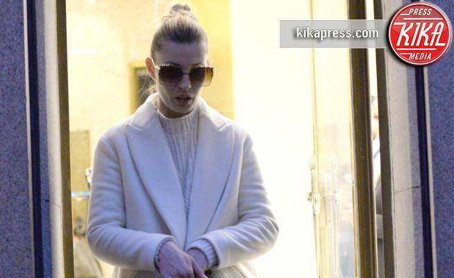 Sveva Alviti - Milano - 26-02-2017 - Sveva Alviti, Dalida si dedica allo shopping da Paciotti
