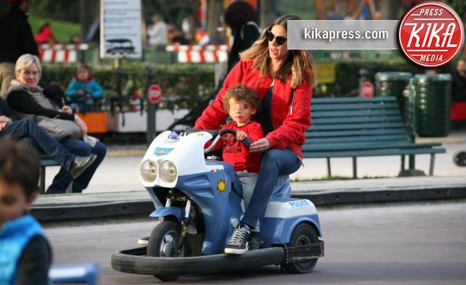 Maddox Boateng, Melissa Satta - Milano - 14-03-2017 - Melissa Satta alle giostre con Maddox, che spasso di mamma!