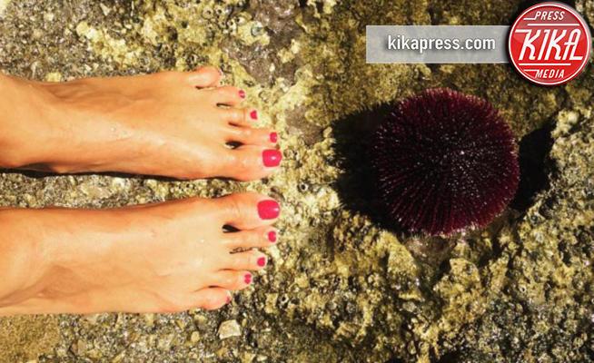 Caterina Balivo - Milano - 23-05-2017 - Feticismo dei piedi: la conduttrice e' braccata dai followers