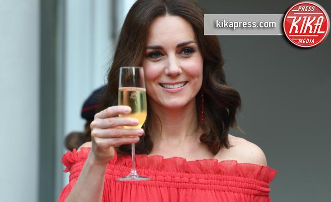 Kate, Catherine, Kate Middleton - Berlino - 19-07-2017 - Vade retro 2020! Cin cin, anche in videchat!