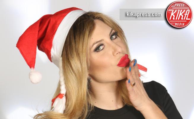 Paola Caruso - 15-12-2016 - Paola Caruso: come resistere a una... Mamma Natale così?