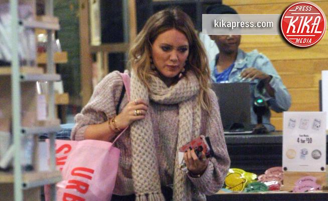 Hilary Duff - Los Angeles - 05-12-2017 - Hilary Duff, ma sei a Los Angeles o in settimana bianca?