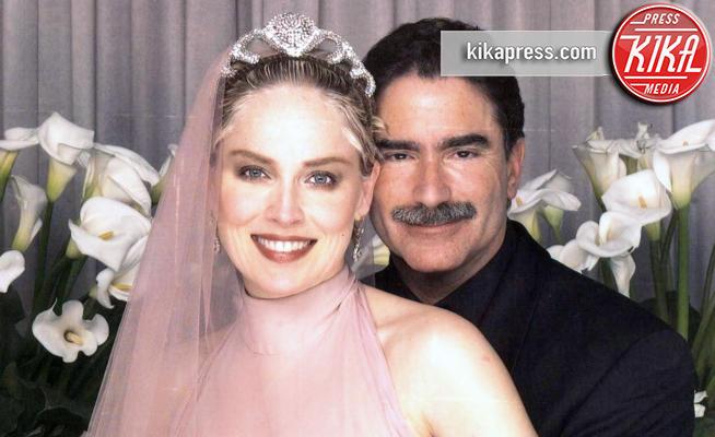 Phil Bronstein, Sharon Stone - Los Angeles - 16-02-1998 - San Valentino, le star all'altare nel giorno degli innamorati
