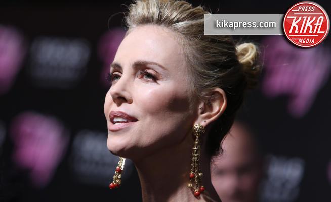 Charlize Theron - Los Angeles - 19-04-2018 - Sovrappeso, depressa: la trasformazione shock di Charlize Theron
