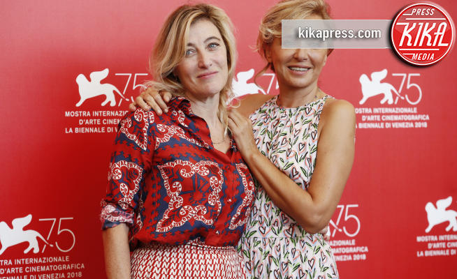 Valeria Bruni Tedeschi, Valeria Golino - Venezia - 05-09-2018 - Venezia 75, Golino - Scamarcio insieme per I villeggianti