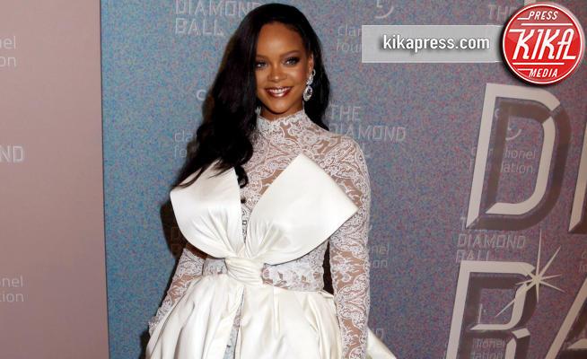 New York - 13-09-2018 - Rihanna, sposa fascinosa e stravagante al Diamond Ball