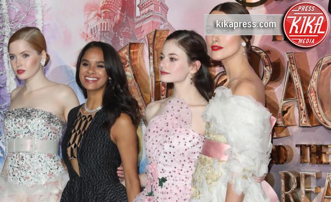 Ellie Bamber, Misty Copeland, MacKenzie Foy - Londra - 01-11-2018 - Chi sono quelle principesse sul red carpet? Ah no, sono attrici!
