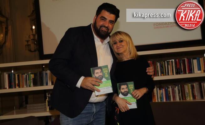 Antonino Cannavacciuolo, Luciana Littizzetto - Torino - 16-05-2019 - Cannavacciuolo dalla parte dei vegetariani: il libro dello chef