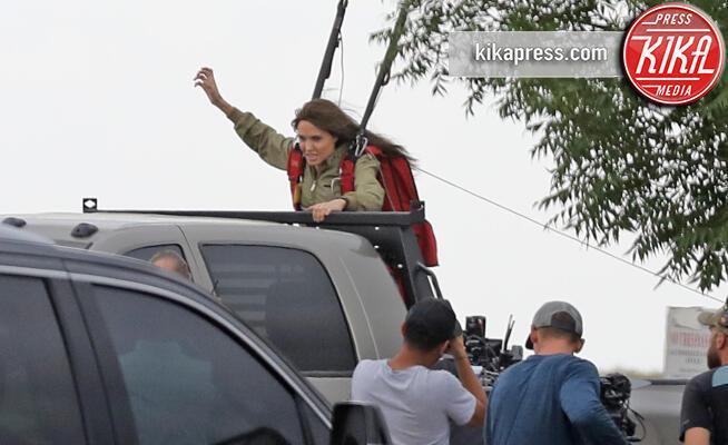 Angelina Jolie - Albuquerque - 26-06-2019 - Angelina Jolie sul set di Who Wish Me Dead c'è anche Vivenne