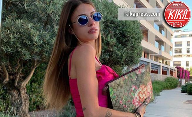 Chiara Nasti - Milano - 08-07-2019 - Orrori da Photoshop! Chiara Nasti ne esce con eleganza