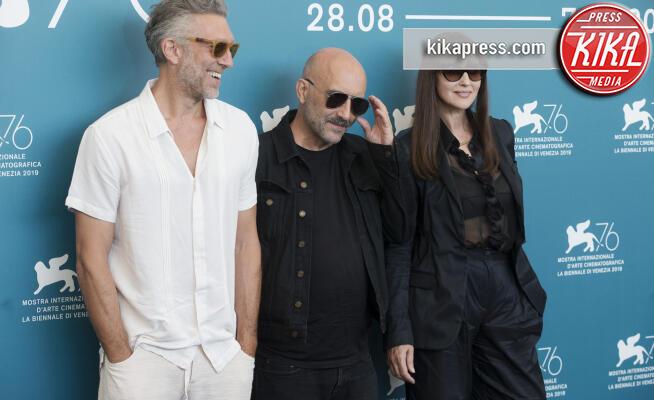 Garspar Noe, Monica Bellucci, Vincent Cassel - Venezia - 31-08-2019 - Venezia 76: Bellucci-Cassel, foto insieme... al regista