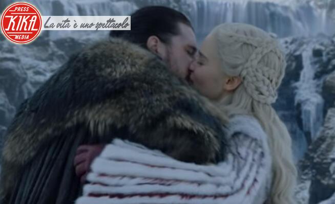 Kit Harington, Emilia Clarke - San Valentino: i baci cinematografici piu' belli