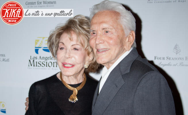 Anne Douglas, Kirk Douglas - Los Angeles - 12-09-2012 - Kirk Douglas, è morta la sua vedova Anne Buydens
